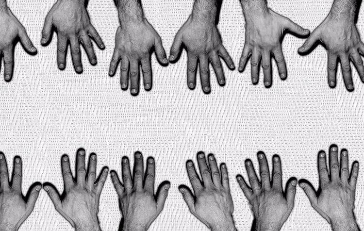Hands+Seance